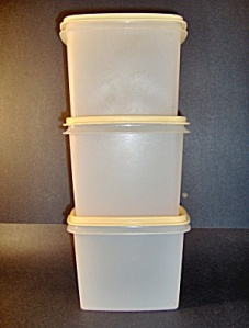 Tupperware boxes